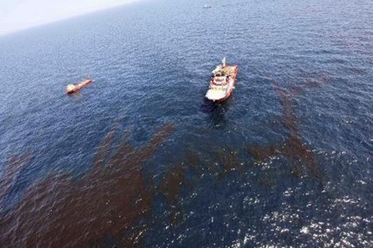 oil-rig-cleanupjpg-7ae1a3e3cab6b03c_large